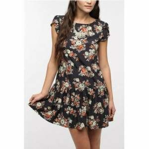 Anthro Pins and Needle Floral Tulip Sleeve Dress